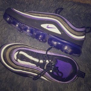 Black and Purple Nike's🖤💜